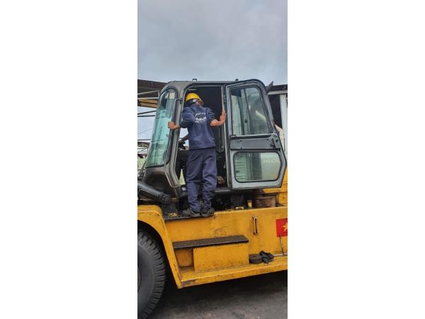 Sửa xe nâng Vân Thiên Hùng